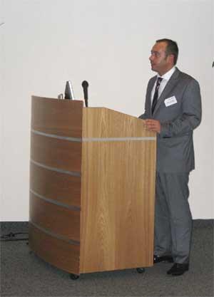 Abb. 1:  Gianluca Crestani, Vorstand Andreas Schmid Logistik AG hielt einen fesselnden Vortrag