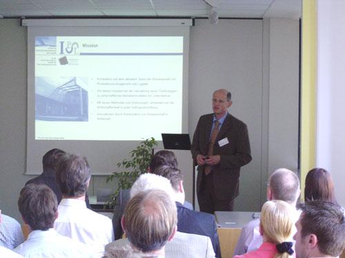 Abb. 2. :  Vortrag von Prof. Dr. Klaus-Jürgen Meier vom IPL