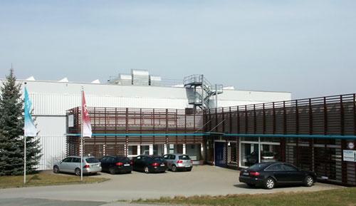 Abbildung 1: Firmenzentrale der Firma Kupek in Coburg mit Verwaltung, zwei Läger mit ca. 3000 m² Fläche.